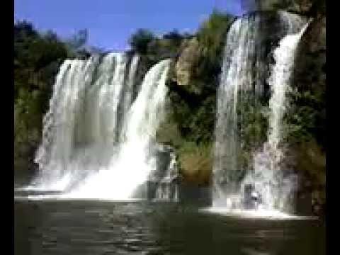 Famosa cachoeira da Fumaça em Carrancas, MG