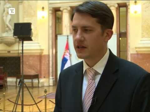 Nema propisa da moraju znati srpski, ali im je u interesu-cover