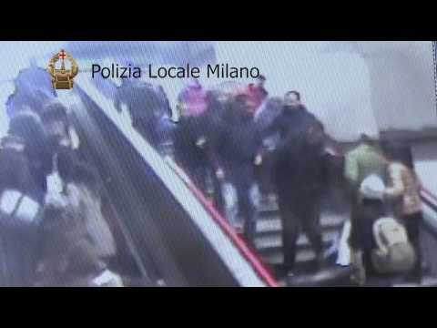 Il video dei furti in MM2 Stazione Centrale