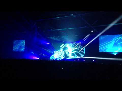 David Guetta - Just One Last Time ft. Taped Rai Live in Hong Kong 2013 [HD]