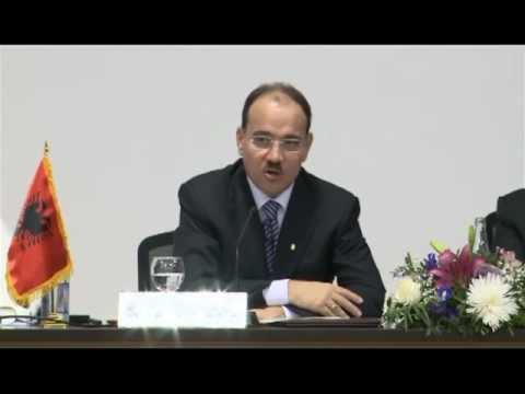 Presidenti Bujar Nishani ne Universitetin Katolik