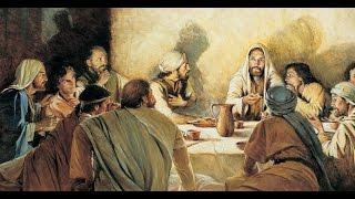 Sermão do 6º Domingo da Páscoa  Ano A - Veja mais Sermões do Padre Rodrigo Maria no site: www.padrerodrigomaria.com.brLeia o Evangelho deste domingo e em seguida escute a homilia do Padre Rodrigo Maria:Anúncio do Evangelho (Jo 14,15-21)— O Senhor esteja convosco.— Ele está no meio de nós.— PROCLAMAÇÃO do Evangelho de Jesus Cristo + segundo João.— Glória a vós, Senhor.Naquele tempo, disse Jesus a seus discípulos: 15Se me amais, guardareis os meus mandamentos, 16e eu rogarei ao Pai, e ele vos dará um outro Defensor, para que permaneça sempre convosco: 17o Espírito da Verdade, que o mundo não é capaz de receber, porque não o vê nem o conhece. Vós o conheceis, porque ele permanece junto de vós e estará dentro de vós. 18Não vos deixarei órfãos. Eu virei a vós. 19Pouco tempo ainda, e o mundo não mais me verá, mas vós me vereis, porque eu vivo e vós vivereis. 20Naquele dia sabereis que eu estou no meu Pai e vós em mim e eu em vós.21Quem acolheu os meus mandamentos e os observa, esse me ama. Ora, quem me ama será amado por meu Pai, e eu o amarei e me manifestarei a ele.— Palavra da Salvação.— Glória a vós, Senhor.