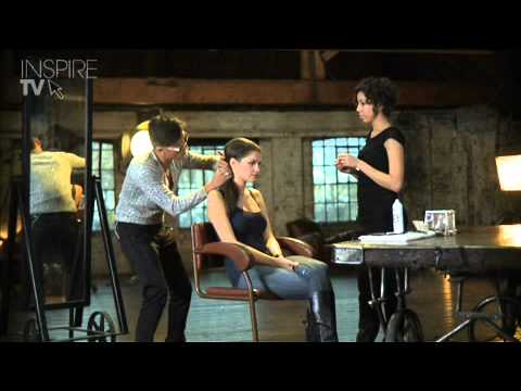 Half Up Half Down Pleat by L'Oréal Professionnel