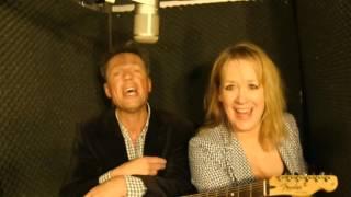 Stine Bruun og Søren Sebber i en diskofil passiar om Søren's lidt prangende score-replikker. Musik af Søren Sebber - Tekst Søren...