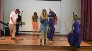 Video DeDrinique Barnes ministering at the COMPLETION- Charity Event - MP3, 3GP, MP4, WEBM, AVI, FLV Agustus 2018