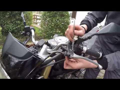 Manopole e Leve della frizione e freno - Sostituzione Honda Hornet [Tutorial]