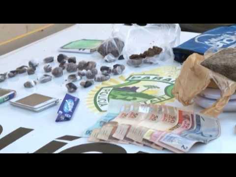 CASAL ENCAMINHADO PARA DELEGACIA ACUSADOS DE TRÁFICO DE DROGAS EM JATAIZINHO 19 12 14