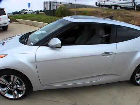 2012 Hyundai Veloster 6-Speed Start Up, Exterior/ Interior Review