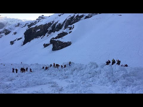 Ελβετία: Χιονοστιβάδα «χτύπησε» το Κραν Μοντανά