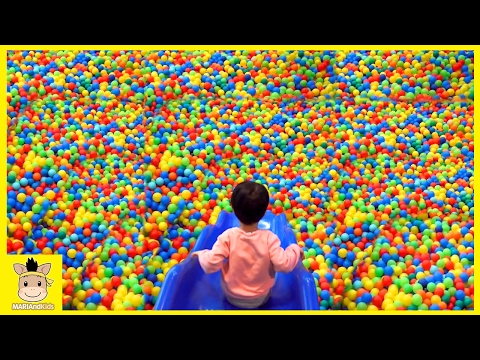 Indoor Playground Fun for Kids and Family Play Slide Rainbow Colors Balls | MariAndKids Toys (видео)