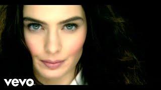 Nil Karaibrahimgil - Yaş 18 Video Klip