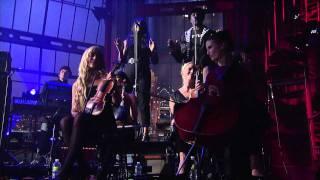 Download Lagu Gorillaz - Kids With Guns (Live on Letterman) Mp3