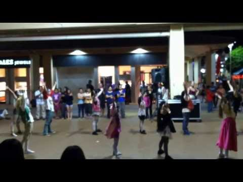 Aloha Dance Studio - Dancing to Thriller.