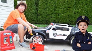 Video The broken police car, the chase and the Sketchy Mechanic epic silly kids video MP3, 3GP, MP4, WEBM, AVI, FLV Januari 2018