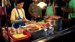 Thai Street Food - Chiang Mai Night Market, Thailand