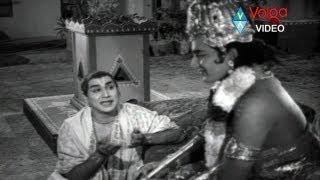 Buddhimanthudu Songs - Veyi Venuvulu - ANR,  Vijaya Nirmala.