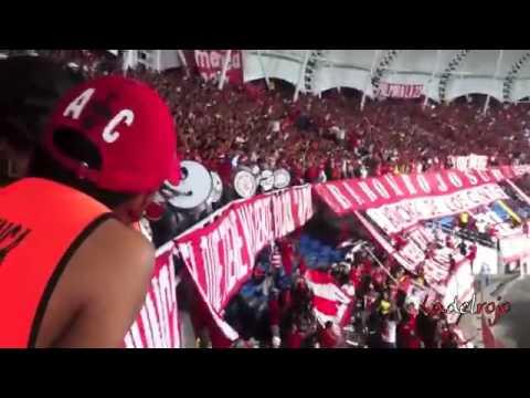 La orquesta escarlata ingresa a la popular Barón Rojo Sur L H D L C América vs Alianza - Baron Rojo Sur - América de Cáli - Colombia - América del Sur