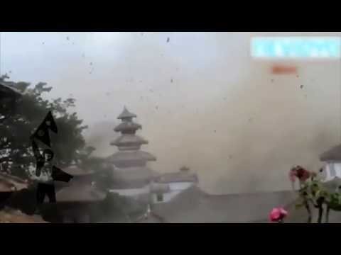 (During the earthquake Nepal 2015 April 25 - Duration: 0:45.)