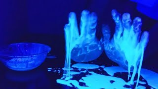 Aprenda a fazer uma Massinha Mágica que Brilha no Escuro usando BATATAS!!! Outros vídeos bem interessantes:ESSE TRUQUE PRA ABRIR UM CADEADO VAI TE DEIXAR SURPRESO! - http://bit.ly/2tnrK6dCOLOQUEI FOGO NA MINHA PISCINA E NÃO FOI UMA BOA IDEIA!! - http://bit.ly/2uHujzjO FAMOSO SPINNER SOLAR DE METAL LÍQUIDO!  - http://bit.ly/2tyBqfWJoguei Alumínio Derretido dentro da Melancia - http://bit.ly/2t3QVMkEsmagando objetos com Imãs SUPER PODEROSOS! - http://bit.ly/2sk3d2PESSE ROBÔ FAZ TANTA COISA QUE ME DEIXOU ESPANTADO! - http://bit.ly/2stArLrO que acontece se você jogar 40 Kg de Gelo Seco na Piscina?  - http://bit.ly/2rsZ7pIColoquei Ácido Sulfúrico na CARNE e olha o que aconteceu! - http://bit.ly/2rcPF5ZMe acompanhem nas outras redes sociais!Instagram: https://www.instagram.com/oficialvlad/Twitter: https://twitter.com/areasecretaFace: https://www.facebook.com/areasecMúsicas:Elektronomia - Summersong 2017https://www.youtube.com/watch?v=hBtvYLrcqXI▷ On Spotify: http://spoti.fi/2s1Qkv2 ▷ On iTunes: http://apple.co/2rt7jDS ▷ On Google Play: http://bit.ly/2rNya0a ▷ Free Download: http://bit.ly/2rzm61I ▷ Elektronomia• https://soundcloud.com/elektronomia• https://www.youtube.com/c/Elektronomia• https://play.spotify.com/artist/7qgor...• https://www.facebook.com/Elektronomia• https://twitter.com/Elektronomia • https://www.instagram.com/elektronomia