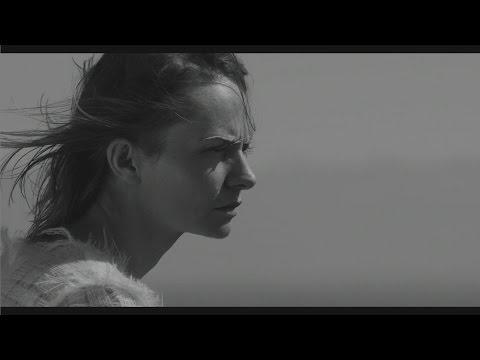 Tekst piosenki Kasia Stankiewicz - Lucy po polsku