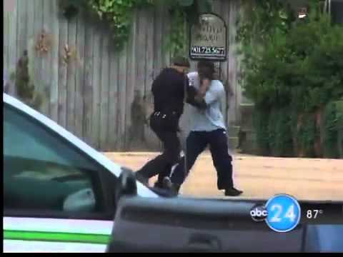 Crazy Street Fight! Cop vs Thug
