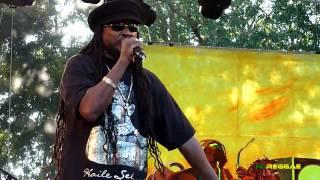 """I Can't Stand It"" Garance Reggae Festival, France 2012"