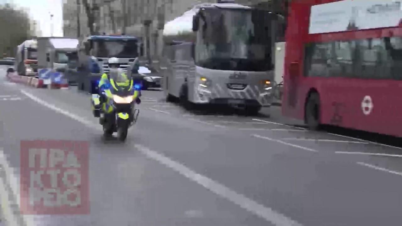 Πυρά έξω από το βρετανικό κοινοβούλιο-Ένας νεκρός, πολλοί τραυματίες