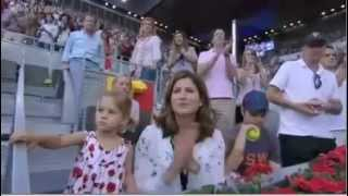 Twin Babies Charlene Riva and Myla Rose congrats their daddy Roger Federer for winning Madrid 2012.