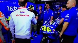 Video Marquez vs Rossi Moto Gp Argentina Marquez looks for excuses at the box but Valentino hunting him MP3, 3GP, MP4, WEBM, AVI, FLV Mei 2018