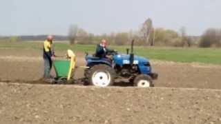 Посадка картошки двухрядной польской сажалкой