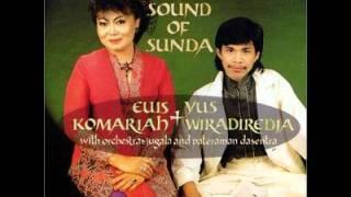 Euis Komariah & Yus Wiradiredja - Bulan Sapasi