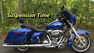 9. How To Adjust The Suspension On A 2017 Harley Davidson Milwaukee Eight 107 Street Glide Special