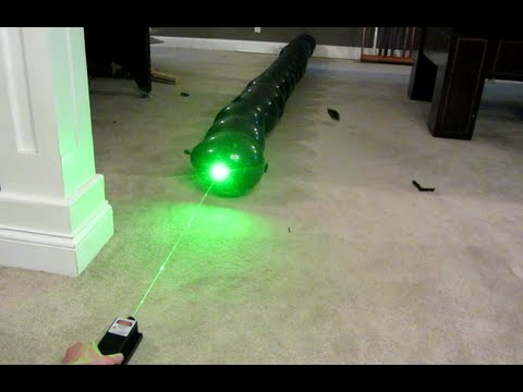 2000mW Green Laser vs. Line of 20 Balloons! 2W @ 532nm Class IV!!!