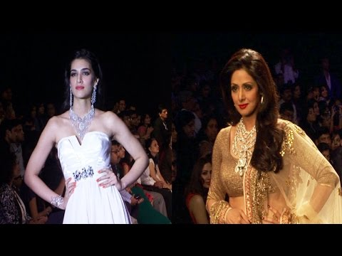 Sridevi & Kriti Sanon On Ramp At India International Jewellery Week (IIJW) 2014