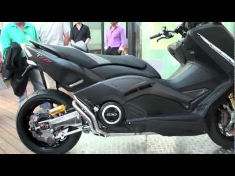 Tmax_530 - Tmax 530 HyperModified par Badan Motos http://www.badan-motos.ch/ Tourné et monté par Alex Chevalier (A.C Development Genève) Plus de détails : http://acidmo...