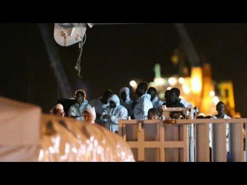 EU-Kommission: Gespräche über Asyl-Sammelpunkte außer ...