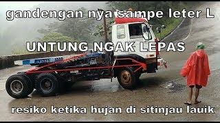 Video ini resiko yang harus di hadapi truck gandeng saat hujan deras MP3, 3GP, MP4, WEBM, AVI, FLV Oktober 2018