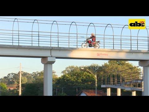 Puente peatonal para motociclistas