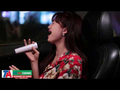 Girl xinh ngồi hát karaoke trong ô tô cực hay