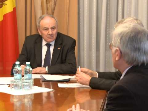 Moldovan president appoints five magistrates