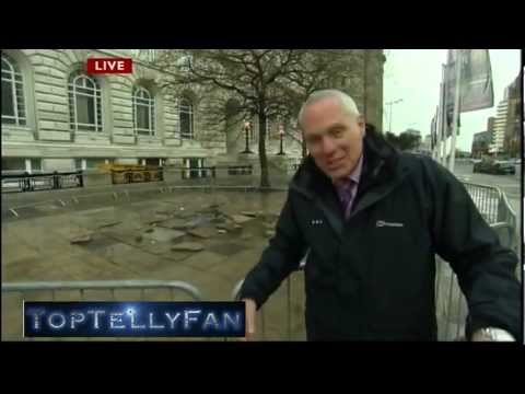 Liverpool's Titanic Girl - Sea Odyssey Giant Spectacular & Andy Gill Gets Drenched (NWT, 19.4.12)