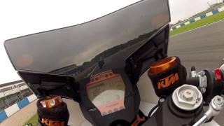 5. KTM RC8R vs GSXR 1000 K4 at Donington Park GP