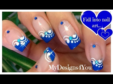 nail art - french blu con motivo astratto