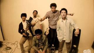 Download Lagu Pee Wee Gaskins - Sebuah Rahasia (Accoustic Version) Mp3
