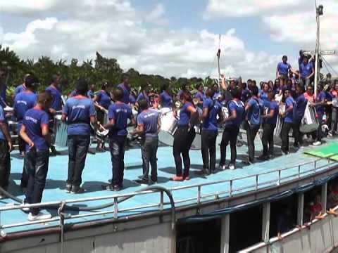 DESFILE FLUVIAL NO RIO PRACUÚBA GRANDE EM SÃO SEBASTIÃO DA BOA VISTA 04 09 2015