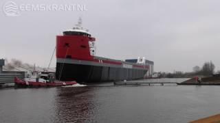 Video Grootste schip ooit te water gelaten bij Koninklijke Niestern Sander in Delfzijl MP3, 3GP, MP4, WEBM, AVI, FLV Mei 2018