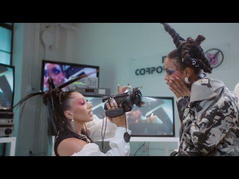 Kali Uchis, Rico Nasty – Aquí Yo Mando [Official Music Video]