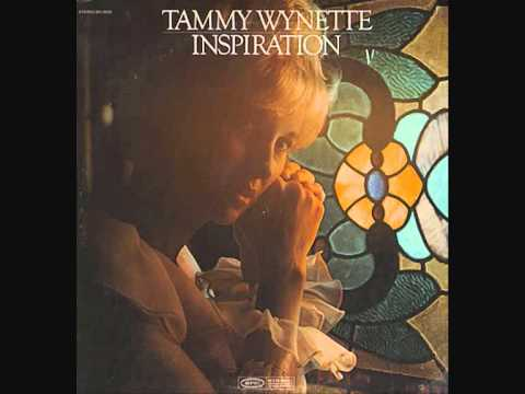 Tekst piosenki Tammy Wynette - He's Got The Whole World In His Hands po polsku