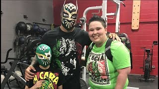 Video Meeting WWE Superstar Sin Cara at Push Fitness MP3, 3GP, MP4, WEBM, AVI, FLV Juni 2019