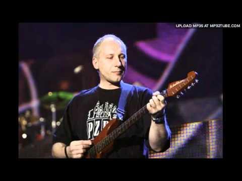 Tekst piosenki Elektryczne Gitary - Mocny, podły show po polsku